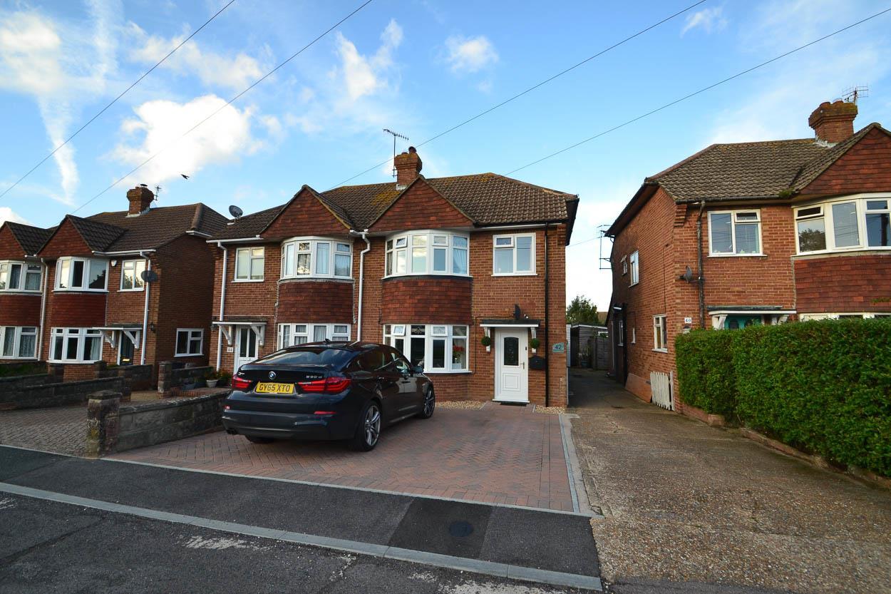 3 Bedrooms Semi Detached House for sale in Hailsham Road, Polegate